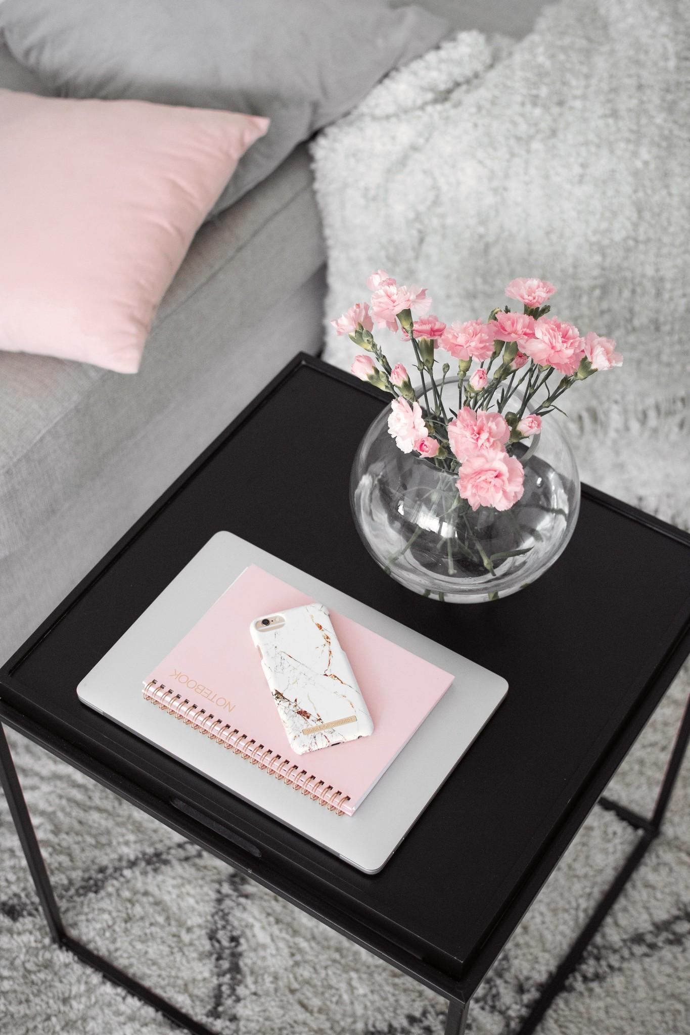 olohuone vaaleanpunainen