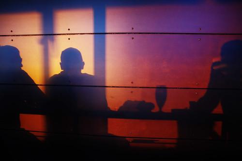 Schatten im Cafe am See