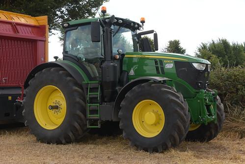 Melleray Vintage Club Vintage Combine Exhibition 2018 John Deere 6230R Tractor