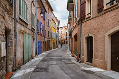 Man in a alley - Photo of Forcalqueiret