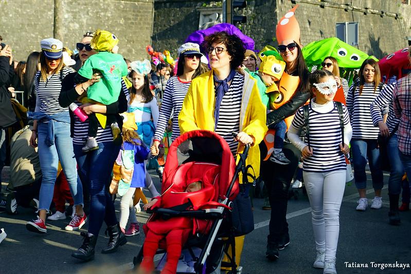 """Группа детского сада """"Radost"""" на карнавальном шествии"""