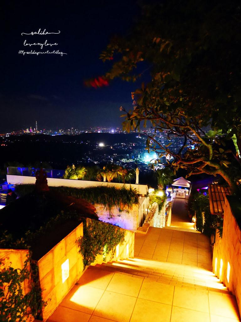 台北陽明山一日遊必吃必玩行程景點推薦THETOP屋頂上好吃景觀餐廳看夜景池畔 (7)
