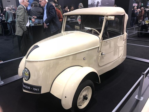 Peugeot VLV (Voiture Légère de Ville), un coche eléctrico de 1940