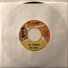 THE SPINNERS:IT'S THE SHAME(JACKET A)