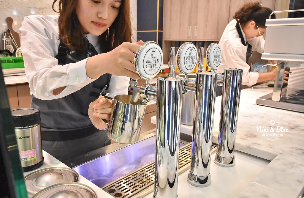 Let s Cafe旗艦店 全家便利商店 台中時尚店07