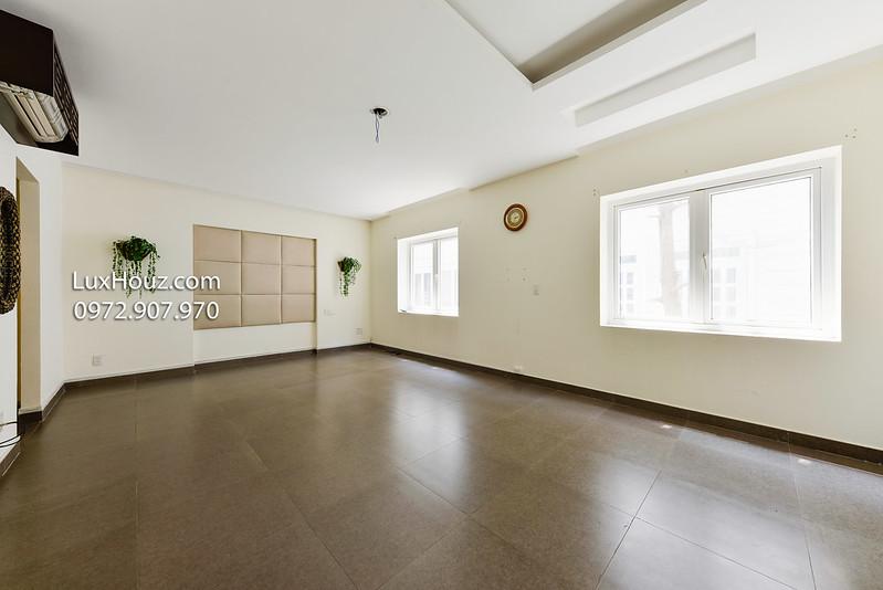 phòng trống tầng 2 - 1