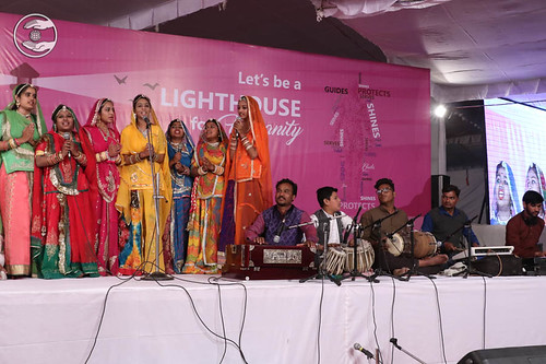 Devotional song by Himanshi and Saathi from Udaipur RJ