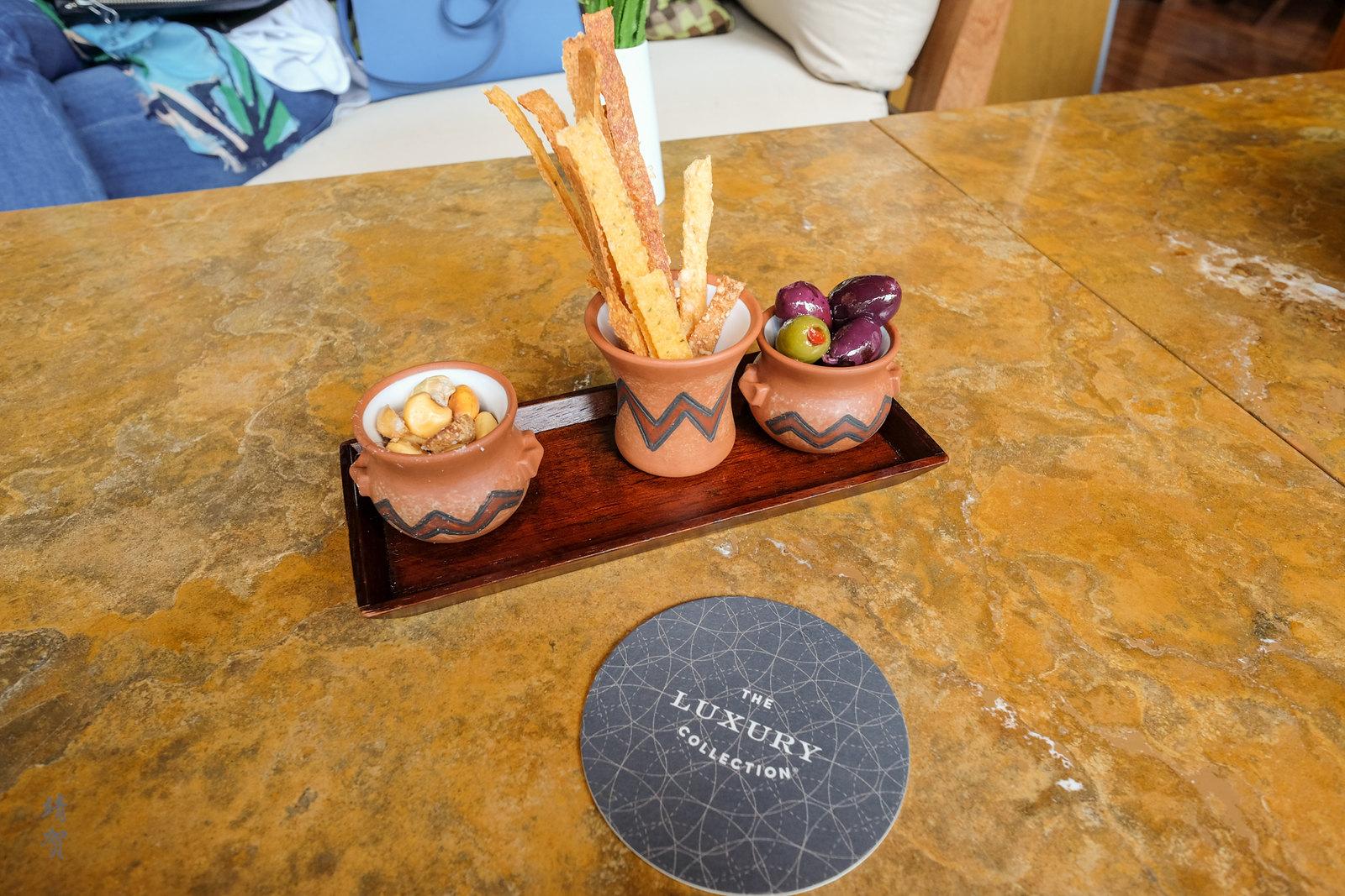 Breadsticks at Kiri bar