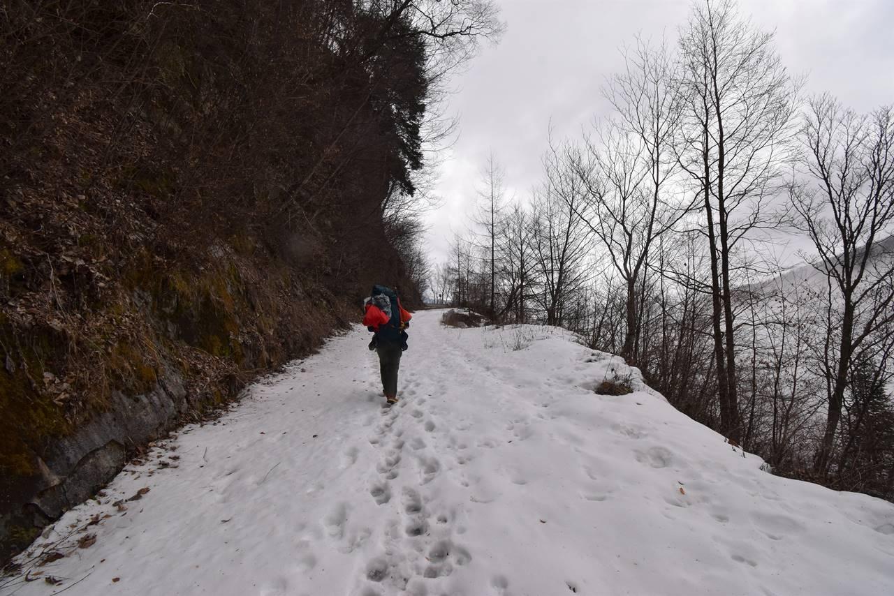 雪道の鳥倉林道
