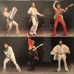 THE ISLEY BROTHERS:SHOWDOWN(JACKET B)