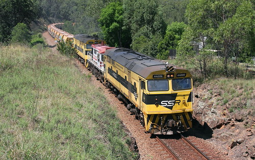 44206 + 48s34 & 44204 6M21 EMPTY BALLAST APPROACHING THE MARTINS CREEK QUARRY BRANCH 21st Mar 2019.