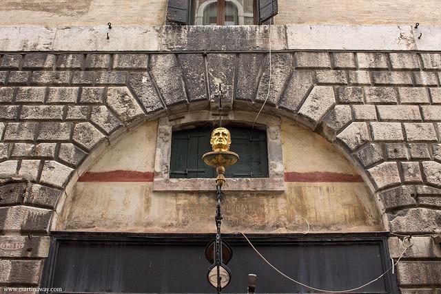 La testa d'oro