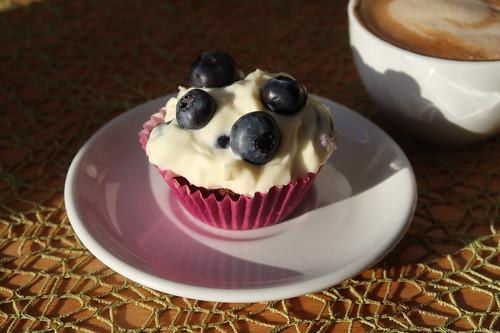 Schokoladen Cupcake mit Heidelbeermascapone Creme (meiner)