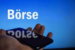 Boerse-auf-Bildschirm-und-Handy