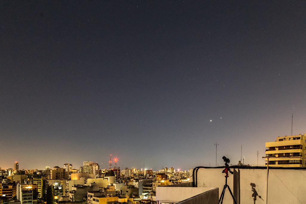 Después del eclipse - Escorpio, Venus y Júpiter - Las sombras son de la luz de Luna llena.jpg