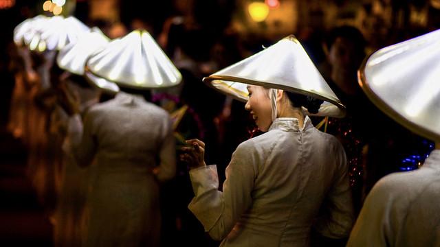 Vietnam - Fête de la Lumière à Hoi An.