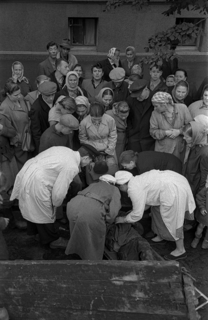 1958. После четвертинки водки и за руль. Москва