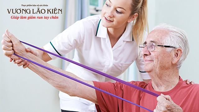 Kết hợp tập luyện cùng sử dụng thuốc sẽ cải thiện đáng kể triệu chứng Parkinson