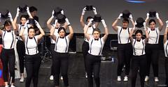 el-coro-femenino-de-tomelloso-levanta-de-sus-asientos-al-publico-del-gran-teatro-de-villarrobledo-con-su-espectaculo-musical-singing-america-19