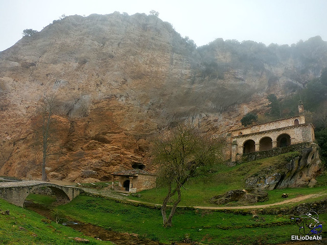 Disfrutando de Tobera y sus cascadas (2)