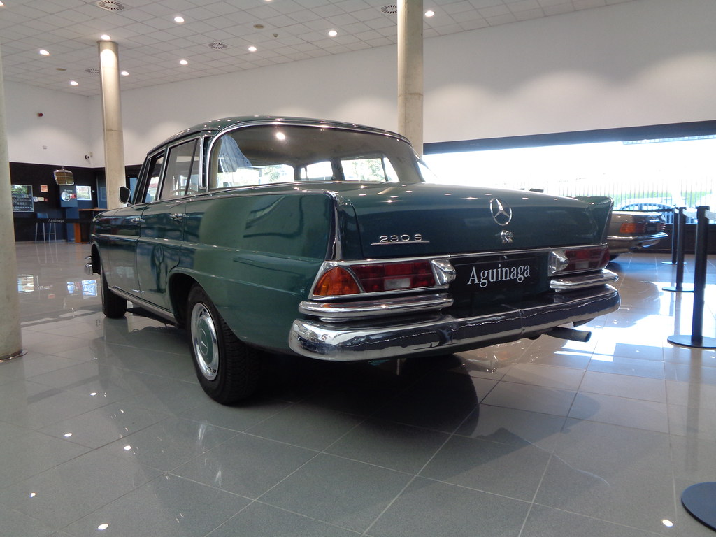W111 TYPE 230 S FINTAIL