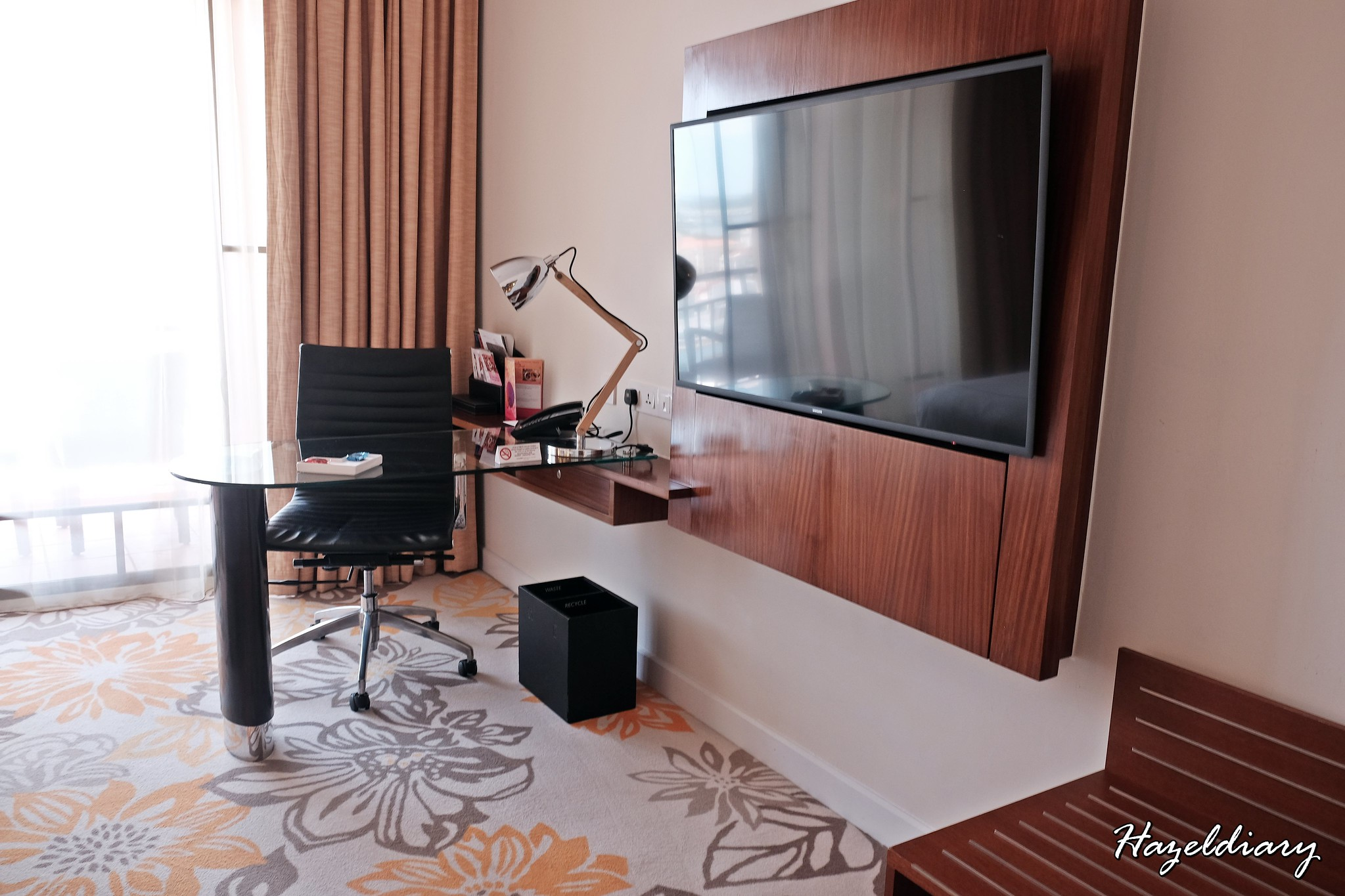 Swissotel Merchant Court-Executive Room-2