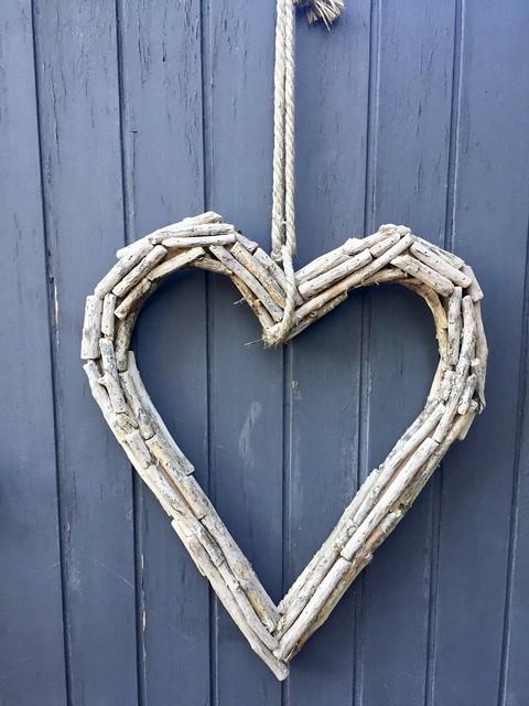 Rieten hart grijze deur