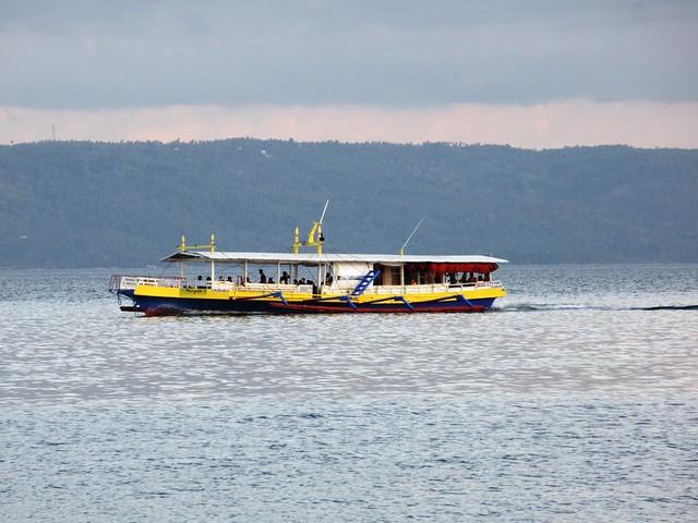 Davao tour-dive boat