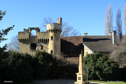 24 Nanthiat - Château XVI XVIII