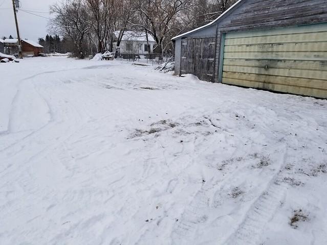 20181230.first.snowblow.smallgate.garagefront.2