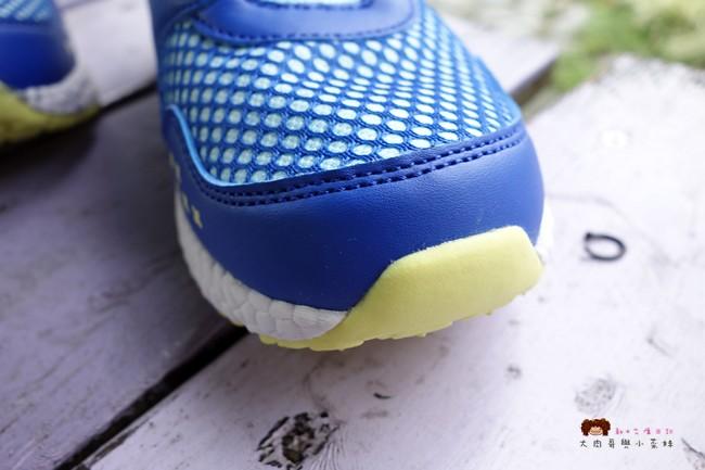 FILA 兒童氣墊慢跑鞋 足弓支撐鞋墊 (18)