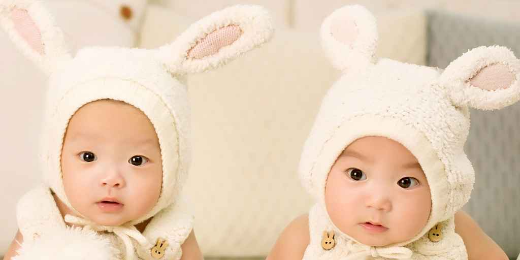 Partager l'utérus avec un frère défavoriserait la sœur