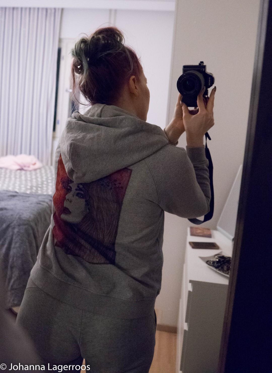 elize hoodie