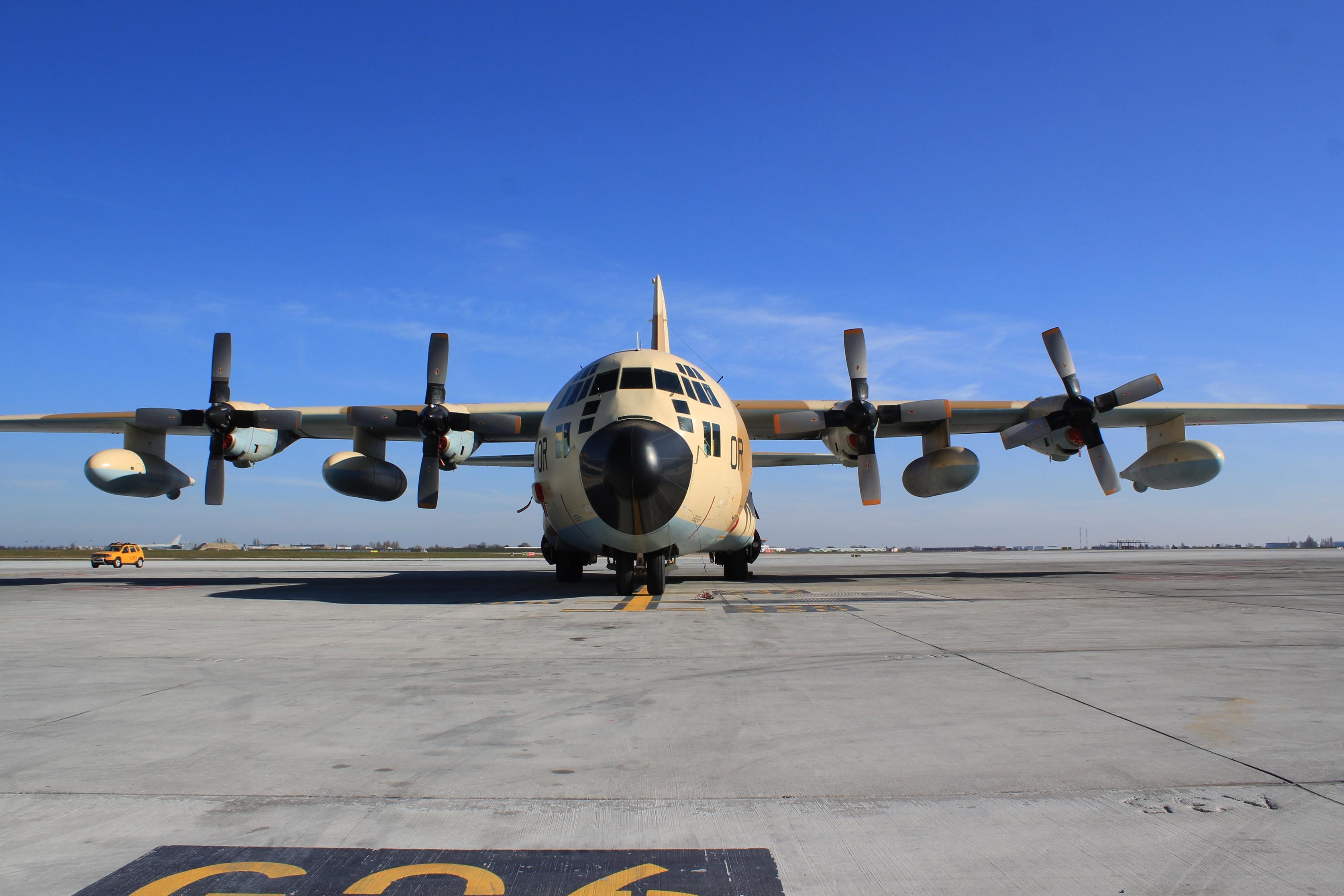 FRA: Photos d'avions de transport - Page 37 33357636678_b05dce09a4_o