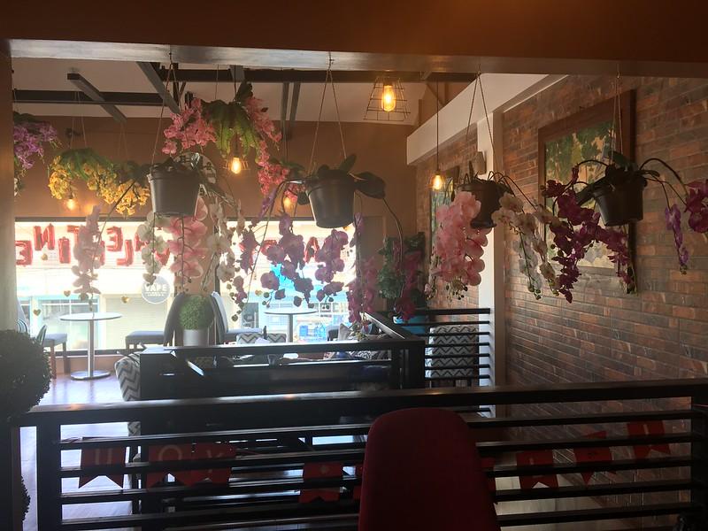 Cafe Tribu, BF Resort