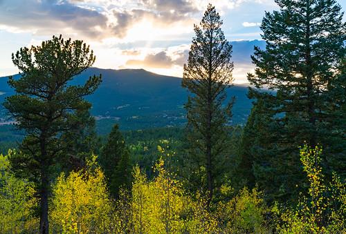 colorado goldengatecanyonstatepark rockies rockymountains autumn fall fallcolors mountains statepark sunset trees
