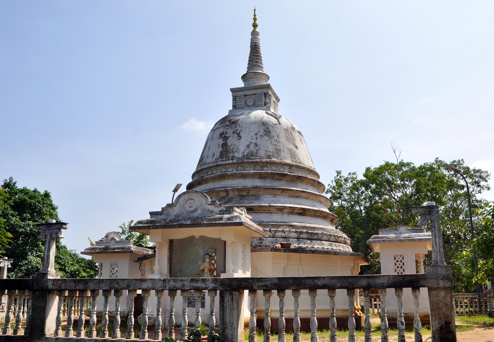Aukana, la estatua de Buda más alta de Sri Lanka buda de aukana - 46728891602 95fa93fcc5 h - Buda de Aukana, la estatua de Buda más alta de Sri Lanka