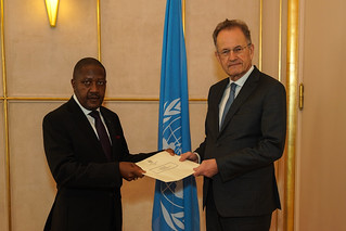 NEW PERMANENT REPRESENTATIVE OF NAMIBIA PRESENTS CREDENTIALS TO THE DIRECTOR-GENERAL OF THE UNITED NATIONS OFFICE AT GENEVA