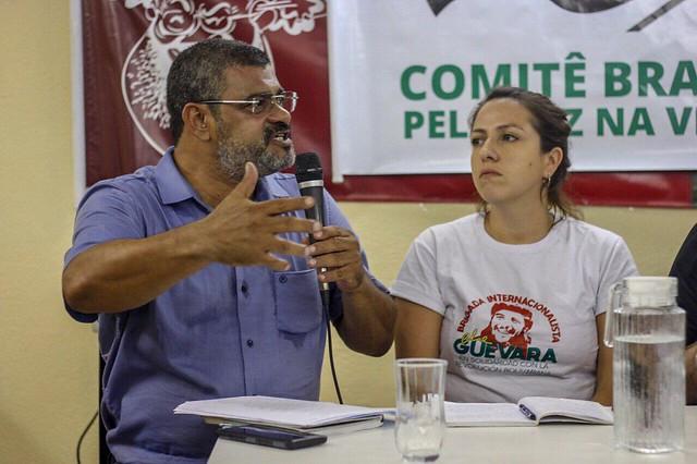 """""""Temos muito o que aprender com eles"""", relata brasileira que visitou a Venezuela"""