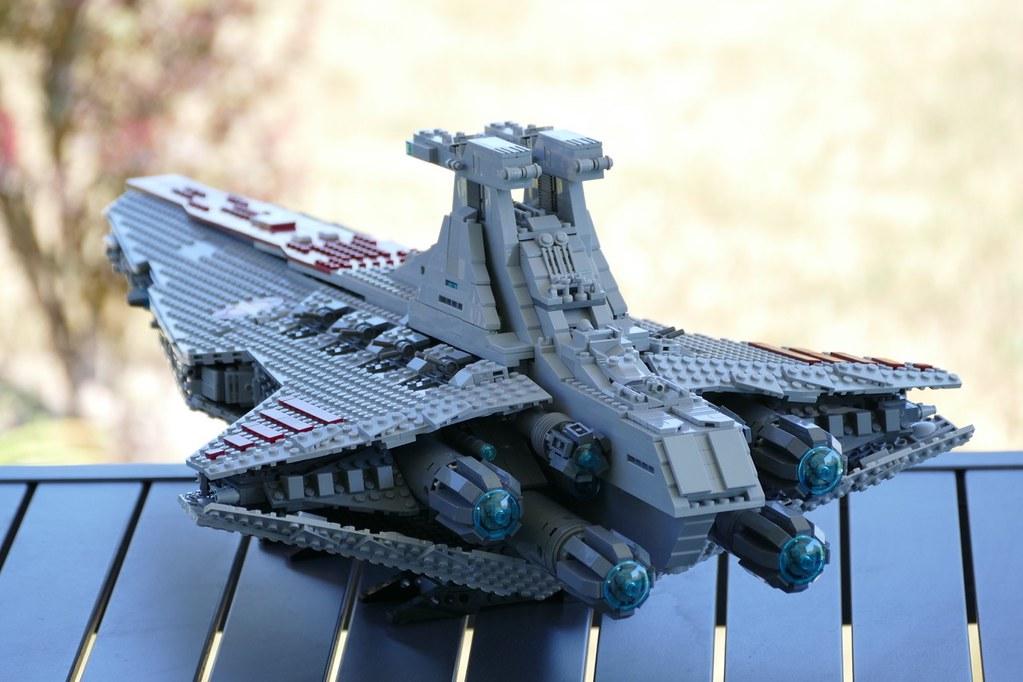 UCS Venator-Class Star Destroyer Engines