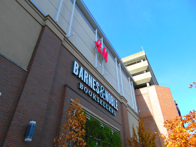 Barnes & Noble/H&M (Stamford Town Center, Stamford, Connecticut)