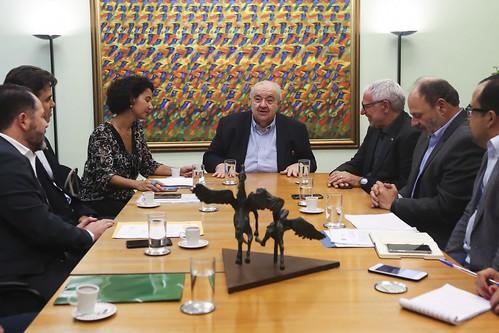 Reunião com Prefeito Rafael Greca – Assinatura do Contrato com a Unidade Móvel do Programa Liceu de Ofícios