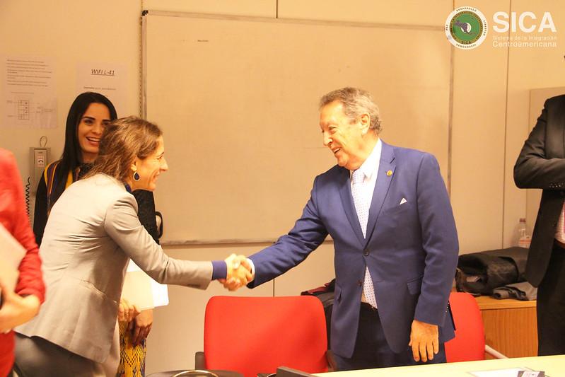 Reunión con el Sr. Leonard Mizzi, Jefe de Unidad en la Comisión Europea, Dirección General (DG) para Cooperación internacional y desarrollo - Desarrollo rural, seguridad alimentaria y nutrición