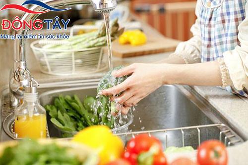Người bệnh Parkinson nên ăn nhiều rau xanh hoa quả