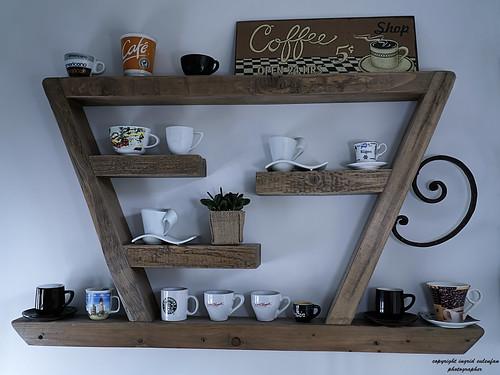 Extravagantes Tee/Kaffee-Regal für den Kaffeegenießer