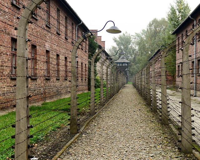Alambradas de pinchos de Auschwitz