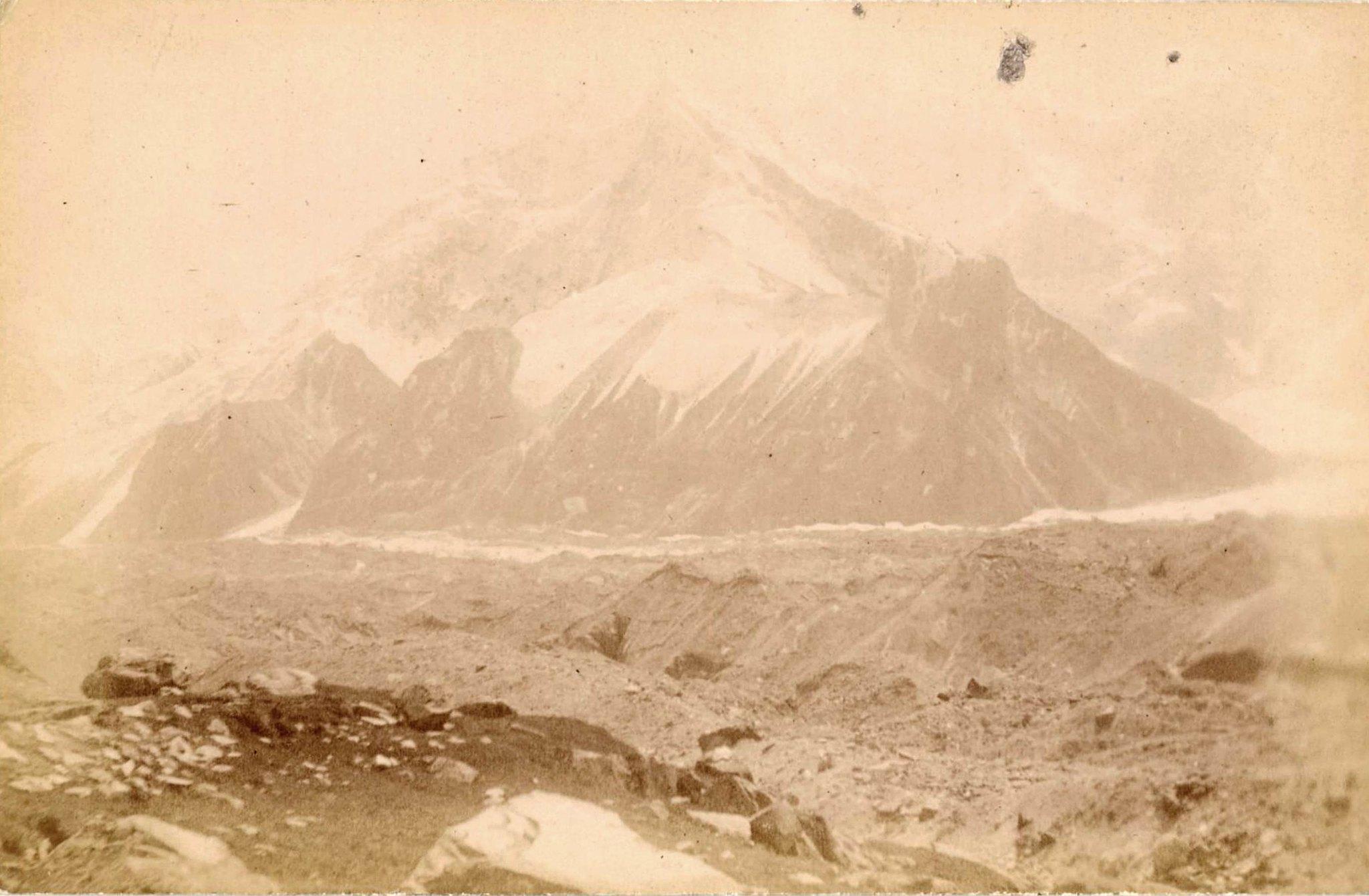 15. Ледники гор Хан-Тенгри. Ледник Восточный Моцарт