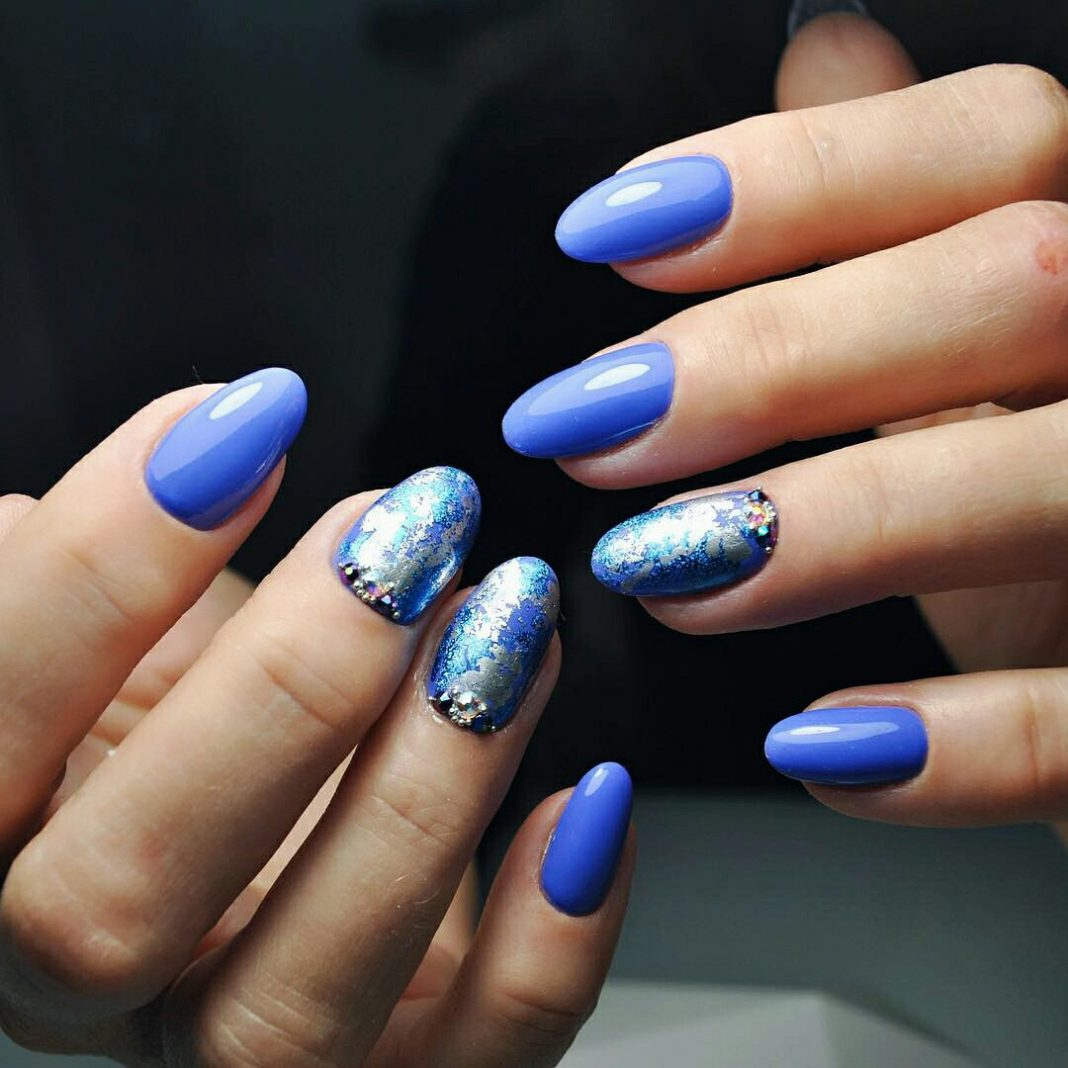 Cute And Simple Nail Art For Winter