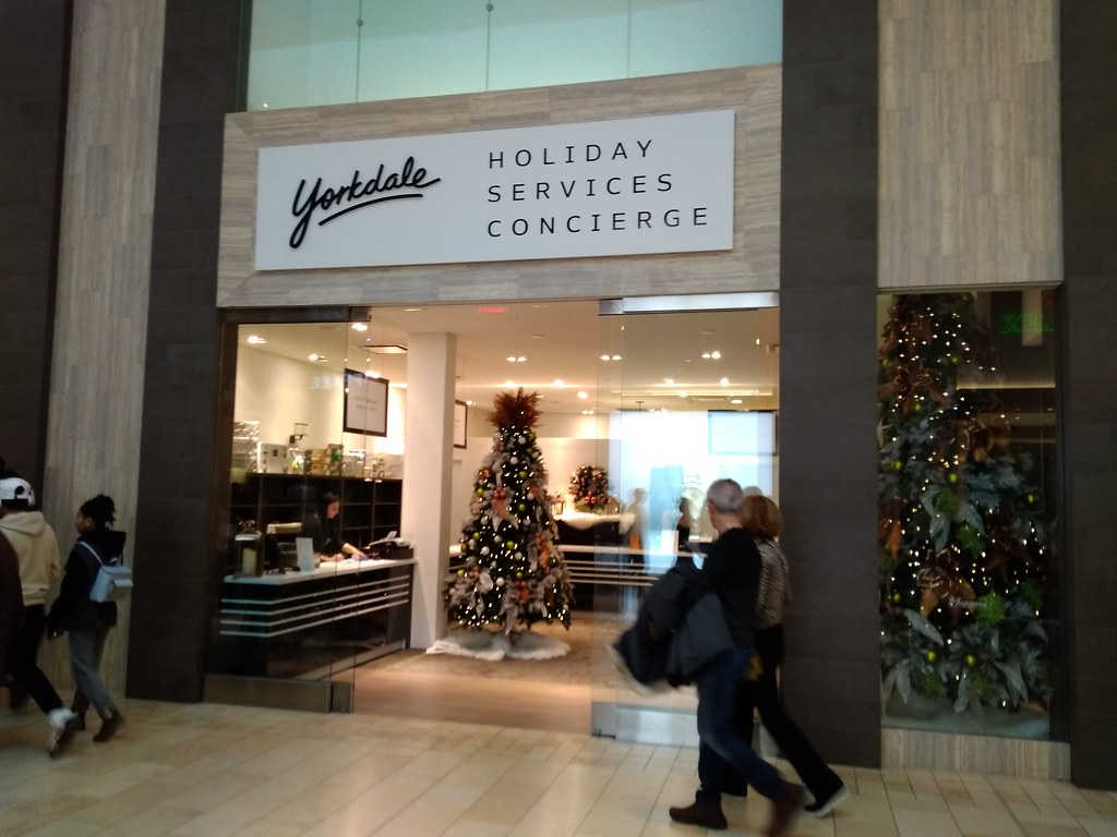 Yorkdale Holiday Services Concierge