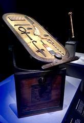 Boîte avec cartouche en bois incrusté, 1336-1326 av. J.-C.